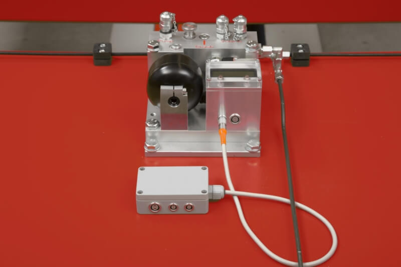 Hydraulic pneumatic brake system